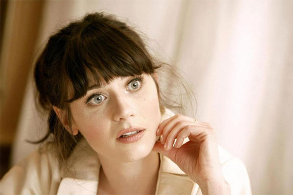 Zooey Deschanel not pressured to be skinny