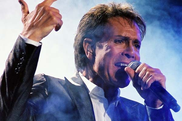 Cliff Richard embarrassing NZ botch up