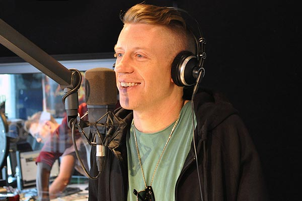 Macklemore talks to Jay-Jay, Mike & Dom