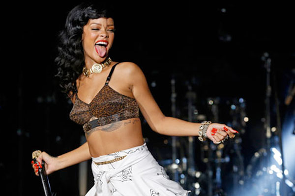 Rihanna cancels tour dates