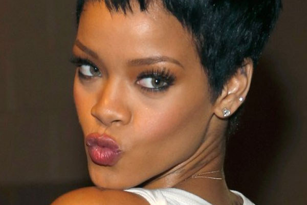 Rihanna turned up two hours late to her show and looked stoned off her face
