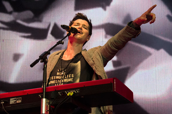 The Script live in NZ featuring Brooke Duff