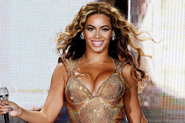 Beyonce apologises to her fans for axing her show