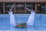 Jess and Rach's get wet at their #SameSexWedding photoshoot
