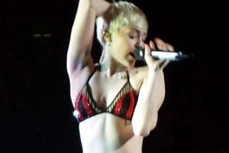 @Cyrus_Miley_FR