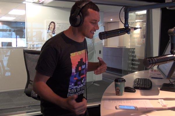 Jason Kerrison raps Vanilla Ice's 'Ice Ice Baby'