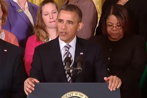 Barack Obama raps Fancy by Iggy Azalea