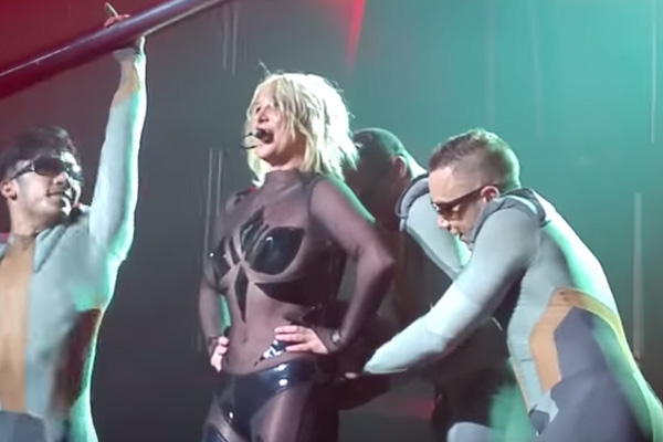Watch: Britney Spears handles awkward WARDROBE MALFUNCTION like a pro