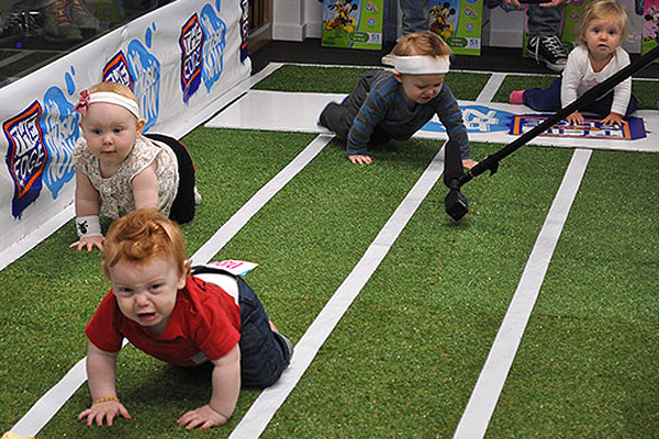 Adorable babies ruthlessly race each other in Jay-Jay, Mike & Dom's Crawl Intentions
