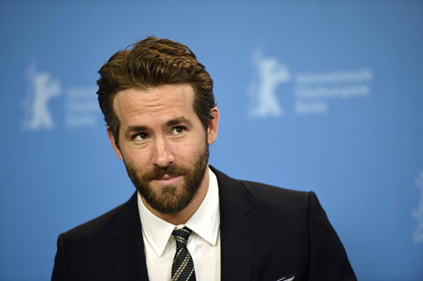 Want to see Ryan Reynolds NAKED? Well you can.