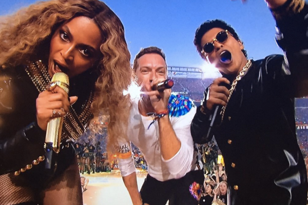 WATCH: Beyonce & Bruno Mars join Coldplay live on stage for EPIC Super Bowl mash-up