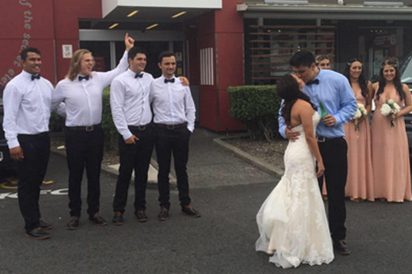 Hamilton couple's KFC wedding photos go VIRAL