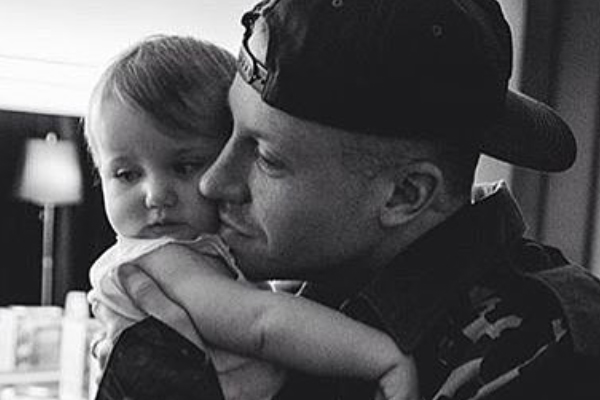 Macklemore freaking out over his daughter's FIRST steps will make you cry!