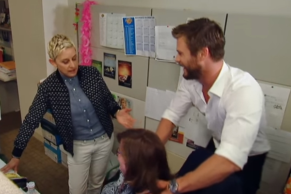 WATCH: Chris Hemsworth just gave one of his fans a super SEXY massage