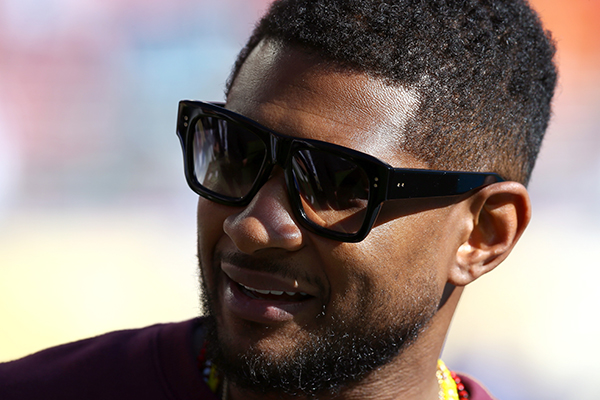 PHOTOS: Usher just posted a D*CK pic on Snapchat!
