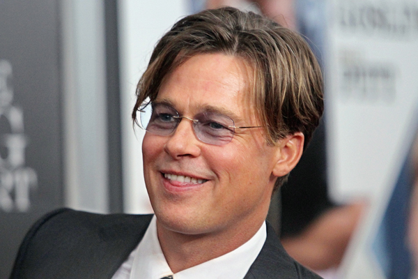 Brad Pitt just SAVED a little girl from being CRUSHED by a crowd