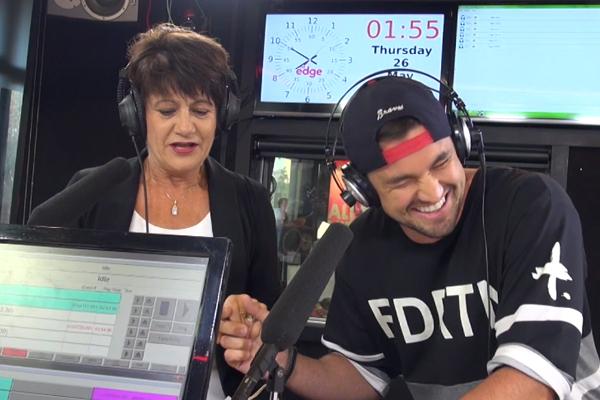WATCH: Randell sings Nicki Minaj's 'Bang Bang' with his MUM