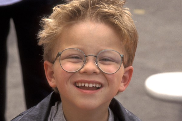 PHOTOS: The little kid from Stewart Little is all grown-up and SUPER HOT!