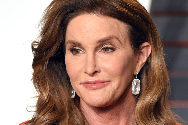 Caitlyn Jenner JUST gave Kim Kardashian a super SEXUAL present