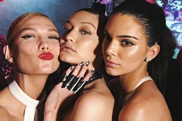 These celebs broke the 'NO-SELFIE' rule at this year's Met Gala