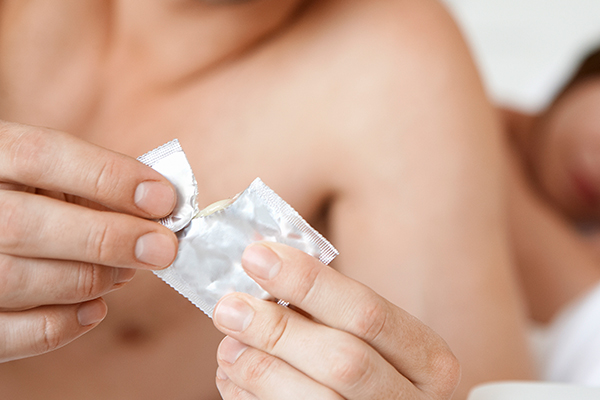 REVEALED: This is exactly how big your D*CK needs to be to fit into an XL CONDOM