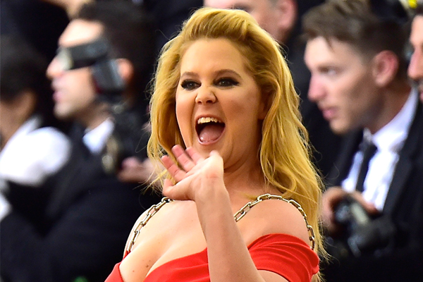 CONFIRMED: Amy Schumer is COMING to New Zealand!