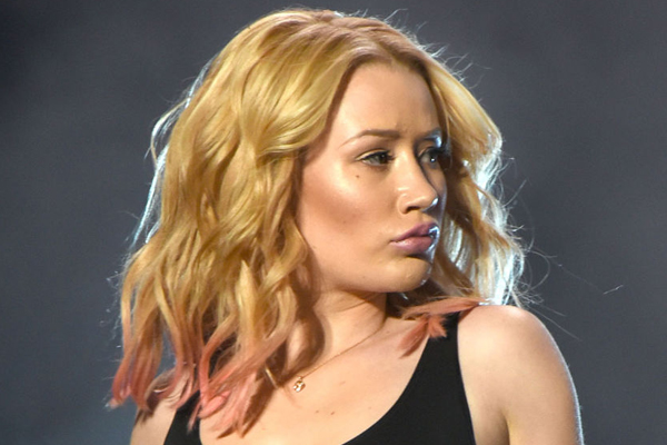 Iggy Azalea left completely SPEECHLESS after what this hater just did!