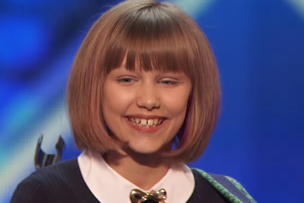 WATCH: Everyone is saying this 12-year-old girl is the next TAYLOR SWIFT!