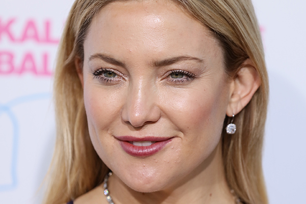 Kate Hudson just posted a NAKED pic of herself on Instagram!