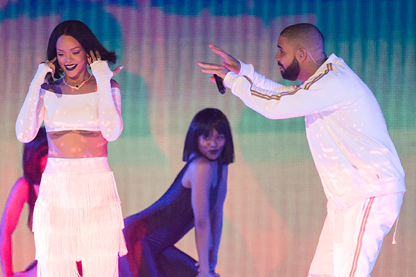 WATCH: Drake just DECLARED his love for Rihanna on-stage!