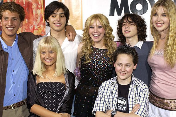 Melina from 'Lizzie McGuire' is now a MAJOR babe
