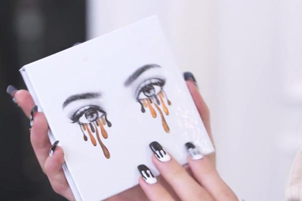 BREAKING: Kylie Jenner just released her very FIRST eyeshadow palette!