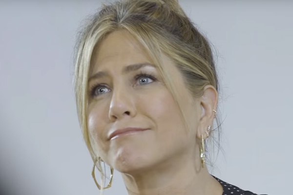 Jennifer Aniston bursts into TEARS after being asked this question by a fan!