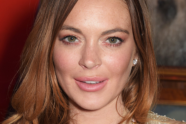 Lindsay Lohan's dad just CONFIRMED that she's PREGNANT!