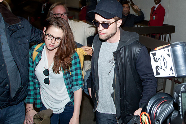 Kristen Stewart and Robert Pattinson spotted TOGETHER for the first time in 4 YEARS!