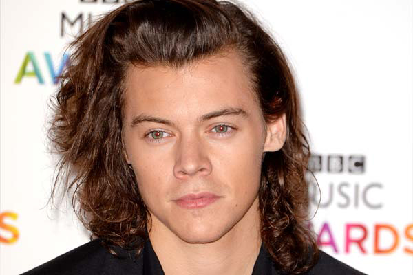 PHOTOS: Harry Styles is unrecognizable in edgy new photo shoot